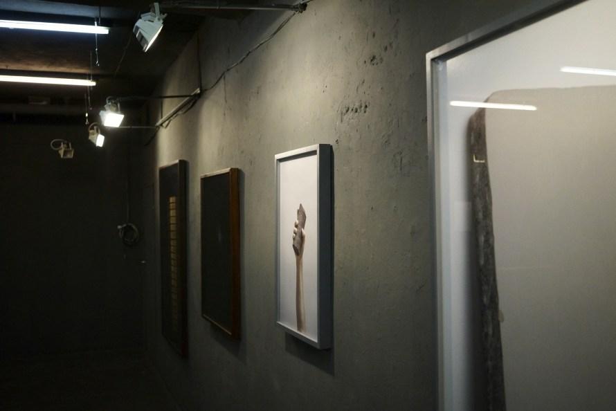 Balogh Viktória, RIPPL Fotográfia MA 2019, diplomakiállítás, enteriőr. Fotó: Punkt