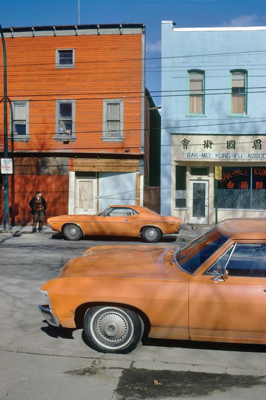 Fred Herzog: Orange Cars Powell, 1973. © Equinox Gallery