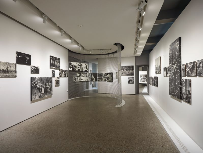 Installációs kép az 1955-ös kiállításról © CNA/Romain Girtgen
