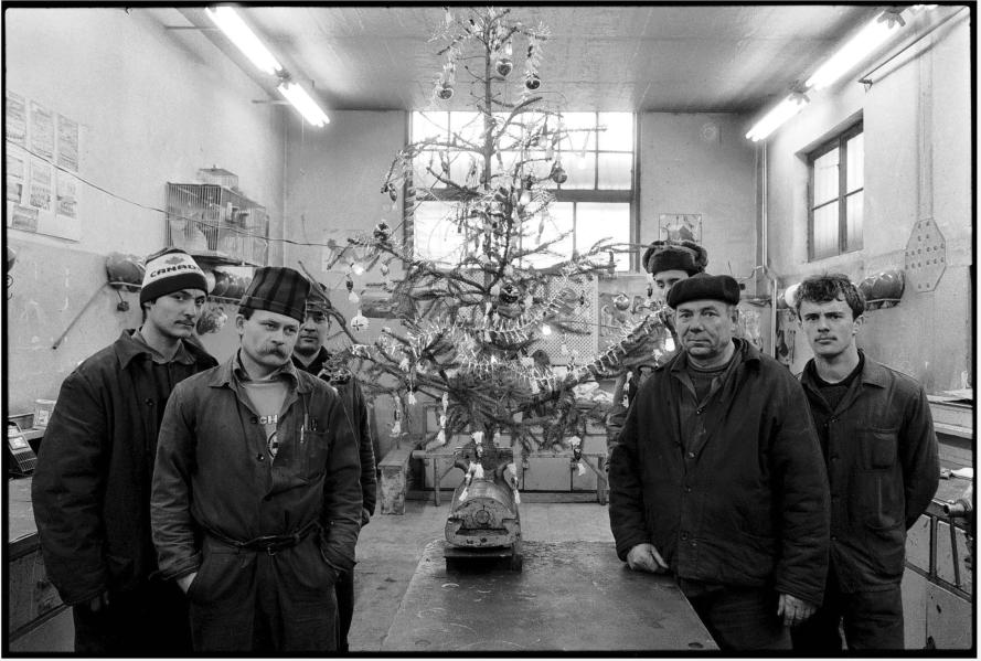 Benkő Imre: Csőszerelő műhely, Ózd, 1989 © Benkő Imre