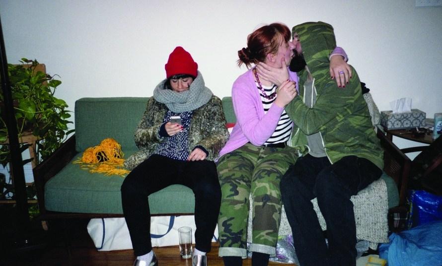 Standovár Júlia: Hanna and Etele with Anna, Brooklyn, részlet A kék melleken túl című könyvből, 2020 © A művész jóvoltából
