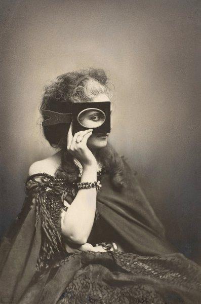 Fotó: Mayer et Pierson: La Contessa Castiglione, 1860-as évek (wikipedia)