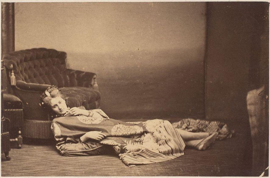 Fotó: Pierre-Louis Pierson: La Contessa Castiglione, 1861-67 David Hunter McAlpin Fund, 1975 © The Metropolitan Museum of Art