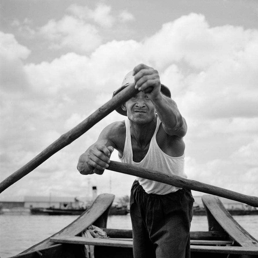 Fotó: Vivian Maier: June 27, 1959. Asia © Estate of Vivian Maier, Courtesy Maloof Collection and Howard Greenberg Gallery, New York