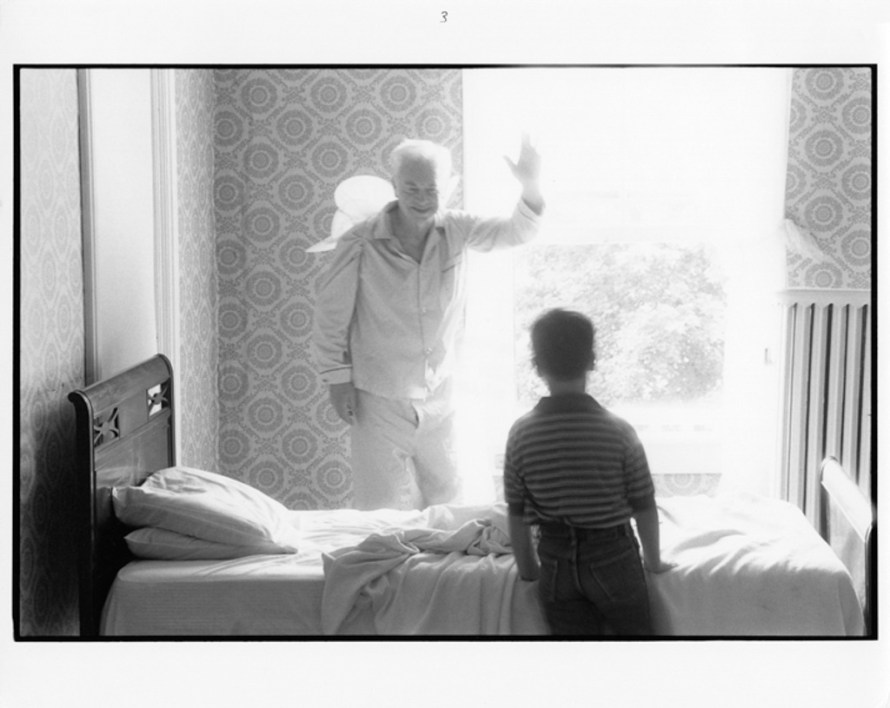 Fotó: <b>Duane Michals</b>: Grandpa Goes to Heaven, 1989<br> © Duane Michals. Courtesy of DC Moore Gallery, New York