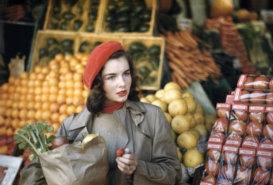 Fotó: Ruth Orkin: Geraldine Dent, Cover of McCall's, New York City, 1949 © Orkin/Engel Film and Photo Archive; VG Bild-Kunst, Bonn 2021