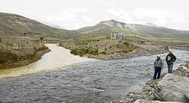 Ratifican cierre de mina Arasi por contaminar ríos en Puno