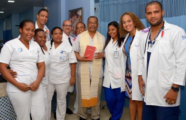 Plantel de galenos del Centro Médico Punta Cana
