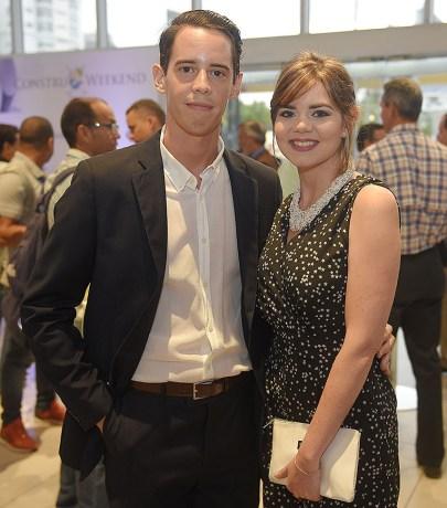 Juan Jose M. Larrauri y Maria Del Mar M. Larrauri