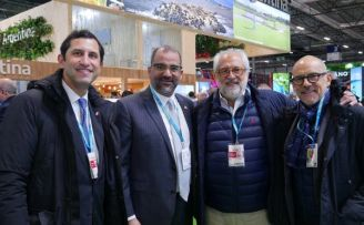 Roberto Herrera, director ejecutivo CEPM, Olivio Rodríguez Huertas, Rolando González Bunster y Jorge V. Jasson de InterEnergy