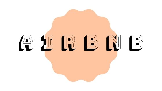 scritta airbnb relativa all'articolo come prenotare su airbnb scritto in nero su sfondo bianco e cerchio arancio
