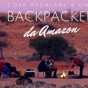 cosa regalare a un backpacker? immagine di campeggiatori nel deserto