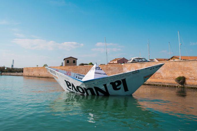 barchetta all'ingresso dell'isola della certosa