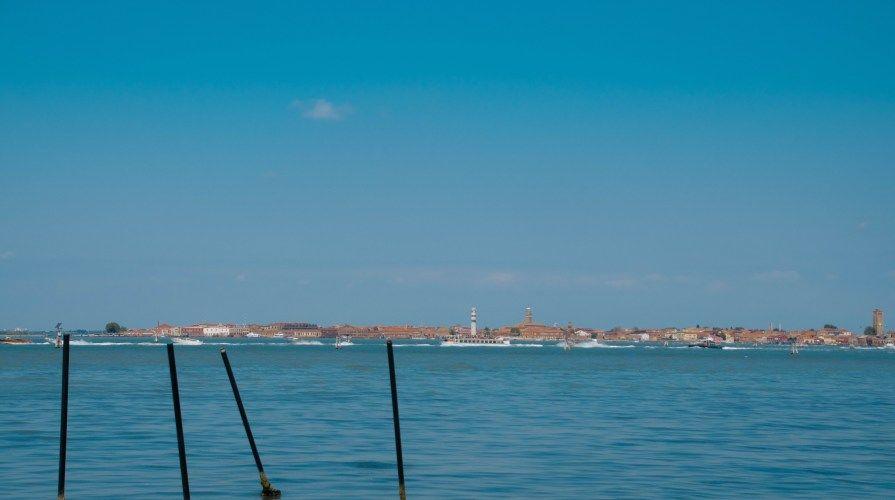 in viaggio nella laguna verso l'isola delle vignole sant'erasmo e della certosa