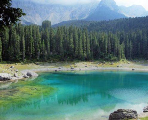 Immagine del lago di Carezza