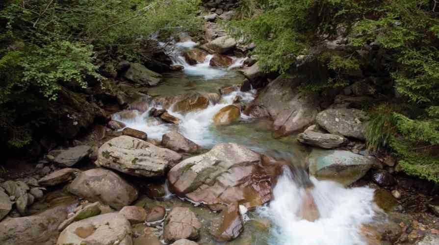 fiume vò nei pressi di vilminore di scalve