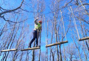 io durante il percorso avventura sugli alberi a biccari