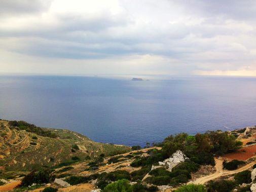 vista dalla scogliera di dingli sul mare nella top 10 di malta