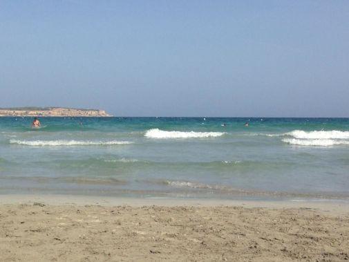 spiaggia di mellieha nella top 10 di malta