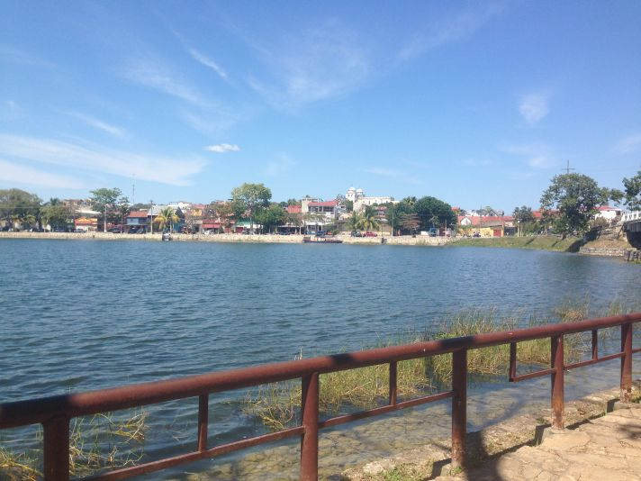 camminata lungo lago