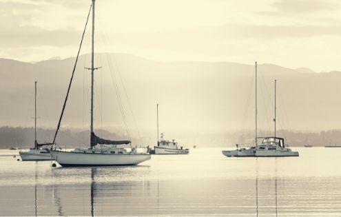 Veneto e Friuli sul mare come le barche a vela della foto