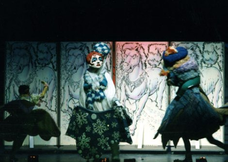 GIANT Puppet Show - Princess Thimbelina and Ice Queen stageshot