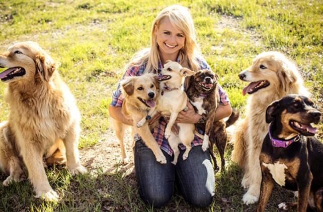 Miranda-Lambert-dogs