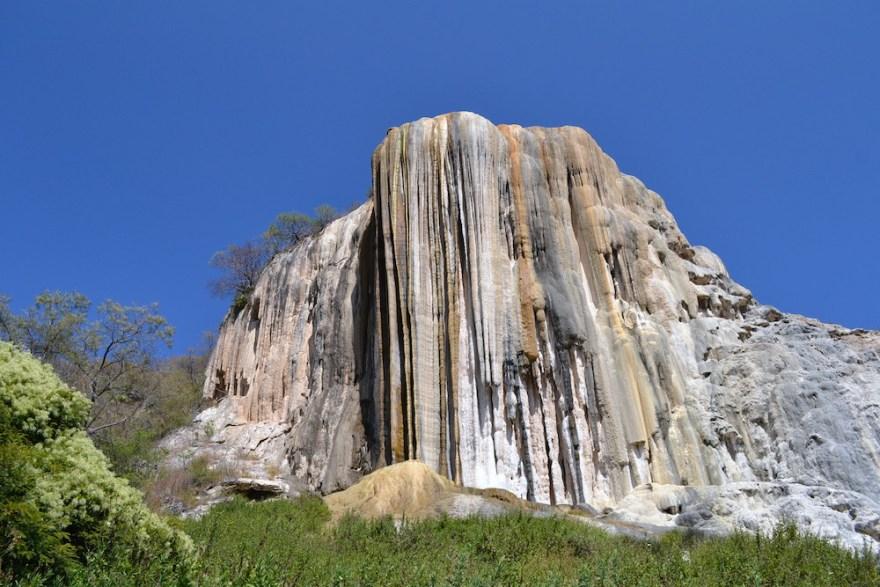 イエルベ・エル・アグア石化した滝の写真