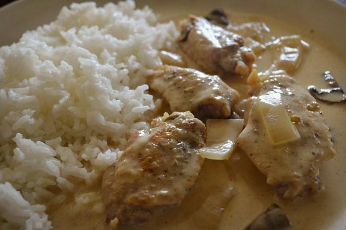 鶏肉のサワークリーム煮の写真