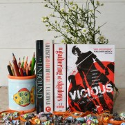 sparkling-letters-review-vicious-by-ve-schwab-3