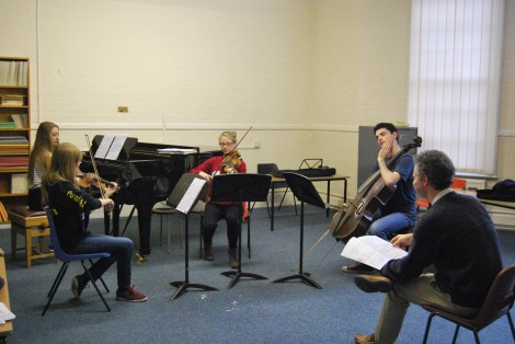Nathaniel Vallois helping our only piano trio on 14/10 © Hattie Rayfield