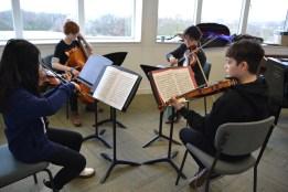 Susie Meszaros teaching Mendelssohn, Feb 2015 Photo © Chloe Hayes