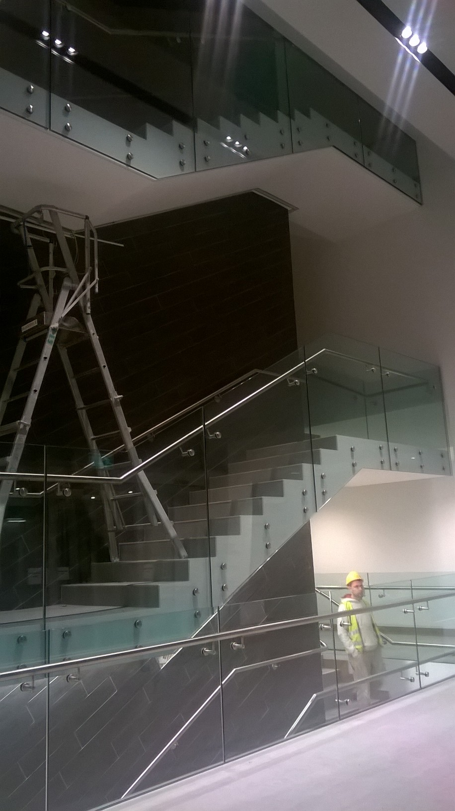 12 - Feature Staircase with Glass Balustrade