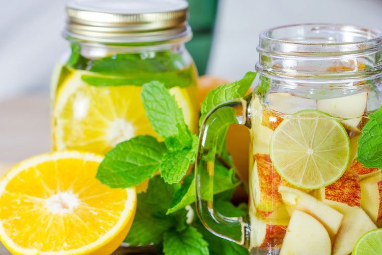 Detox water Limoen, Appel en Mint