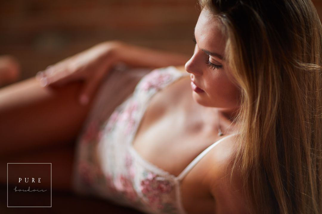 sensual boudoir session chicago