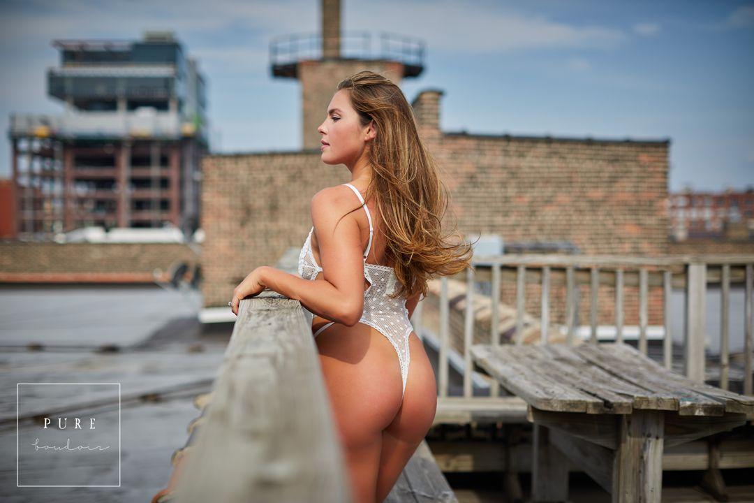 sensual and elegant boudoir photo shoot chicago