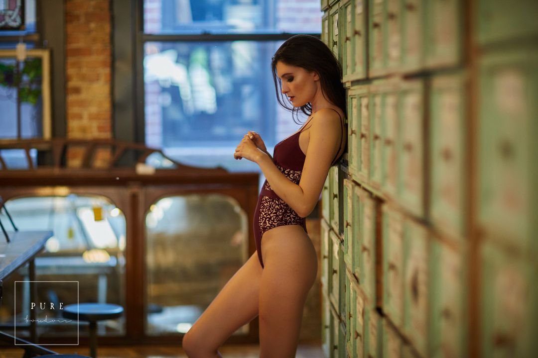 sensual chicago boudoir session