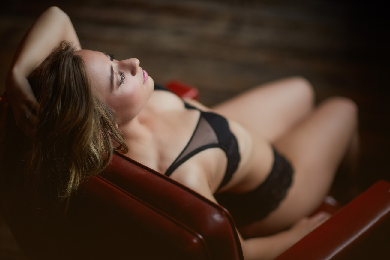 chicago lingerie sensual classy photography - Boudoir Session – a Holiday Gift to Yourself