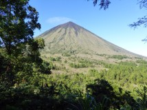 Inerie volcano near Bajawa – Pure Flores Tours