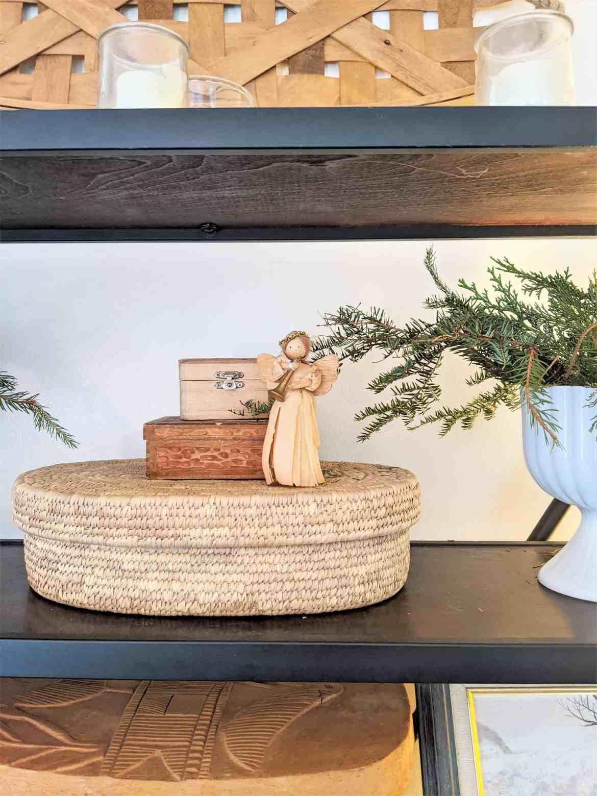 natural shelf decor
