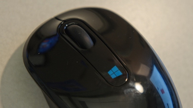Sculpt Mobile Mouse side view with Windows key 640_wide