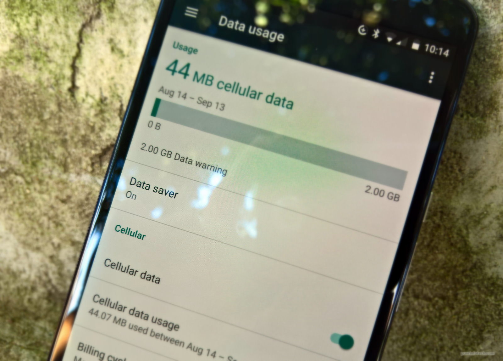Prevent mobile data over usage with Data saver on Android Nougat