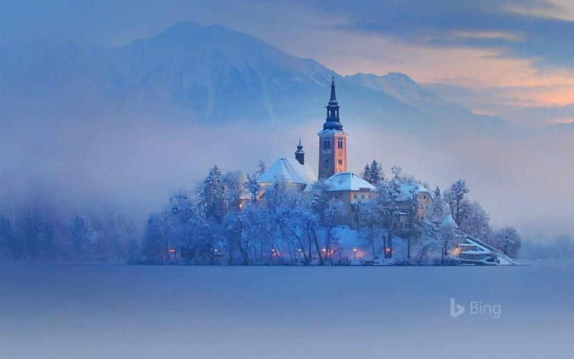 Bing in Winter theme for Windows 10