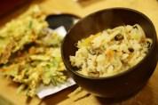 Takikomi gohan with burdock and carrot tempura
