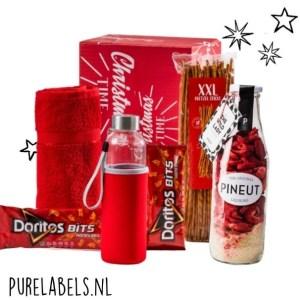 kerstpakket voor mannen in rood relatiegeschenk cadeaupakket met pineut en bidon