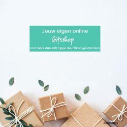 Cadeautjes ingepakt in craftpapier met groene blaadjes en tekst over jouw eigen online giftship