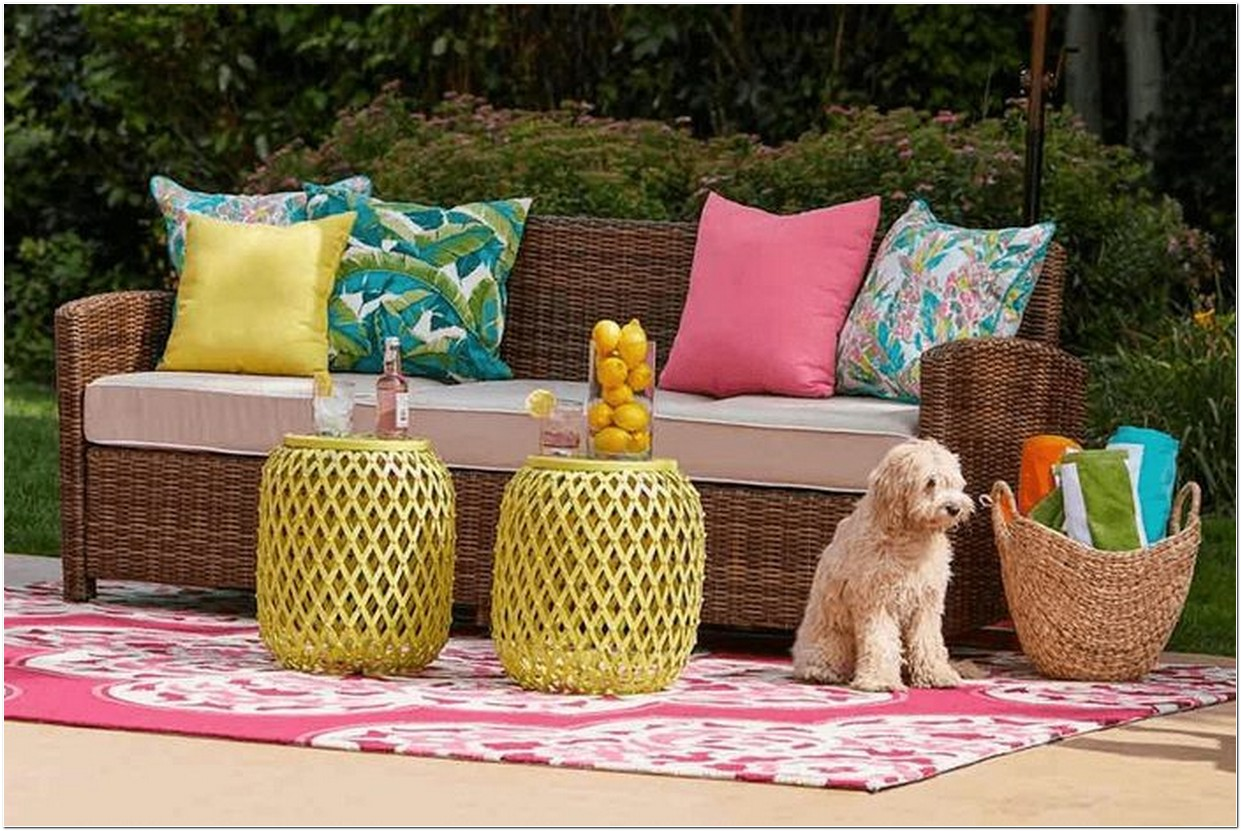 Enhance The Look Of Your Backyard With The Best Patio Furniture 1