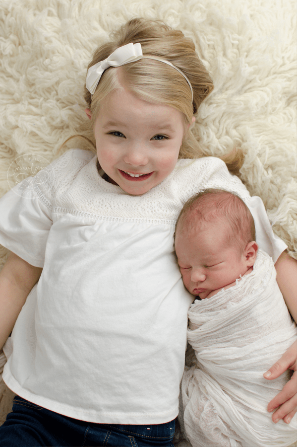 Big Sister & Baby sibling photos, Ottawa Newborn Photographer