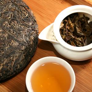 2008_Yi_Wu_Mountain_Green_Puer_Tea_Cake_med
