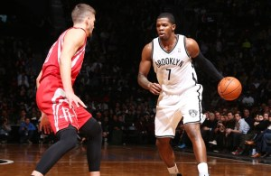 Joe Johnson leads Nets with 32 points.